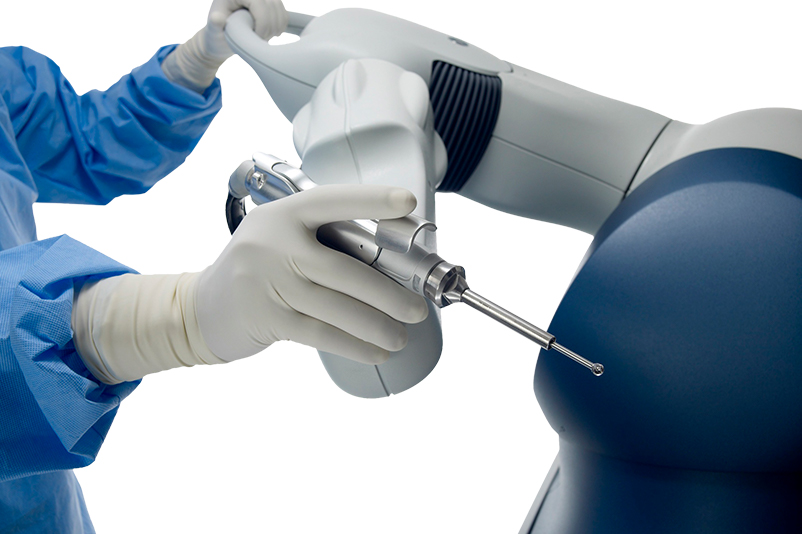 Pioneering robotic arm assisted surgery revolutionises hip and knee joint replacement